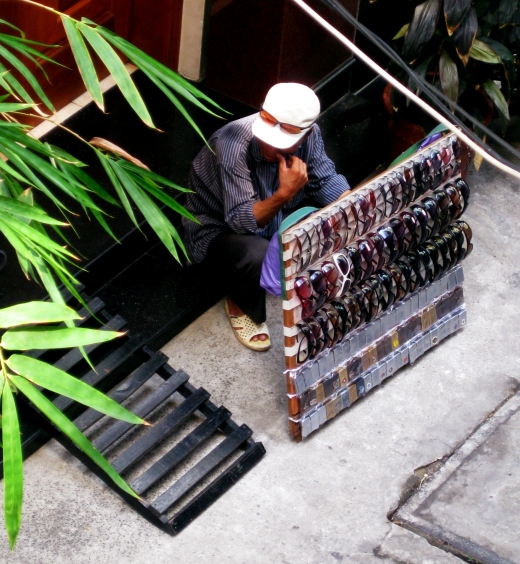 Lighter Seller