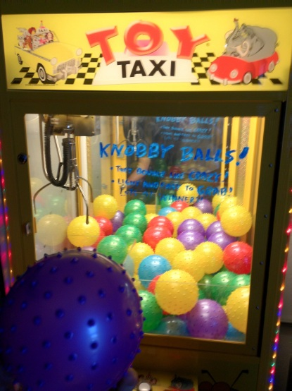 Knobby Balls Crane Machine